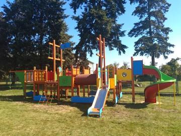 Plac zabaw przy Publicznym Przedszkolu w Dobrzeniu Wielkim.jpeg